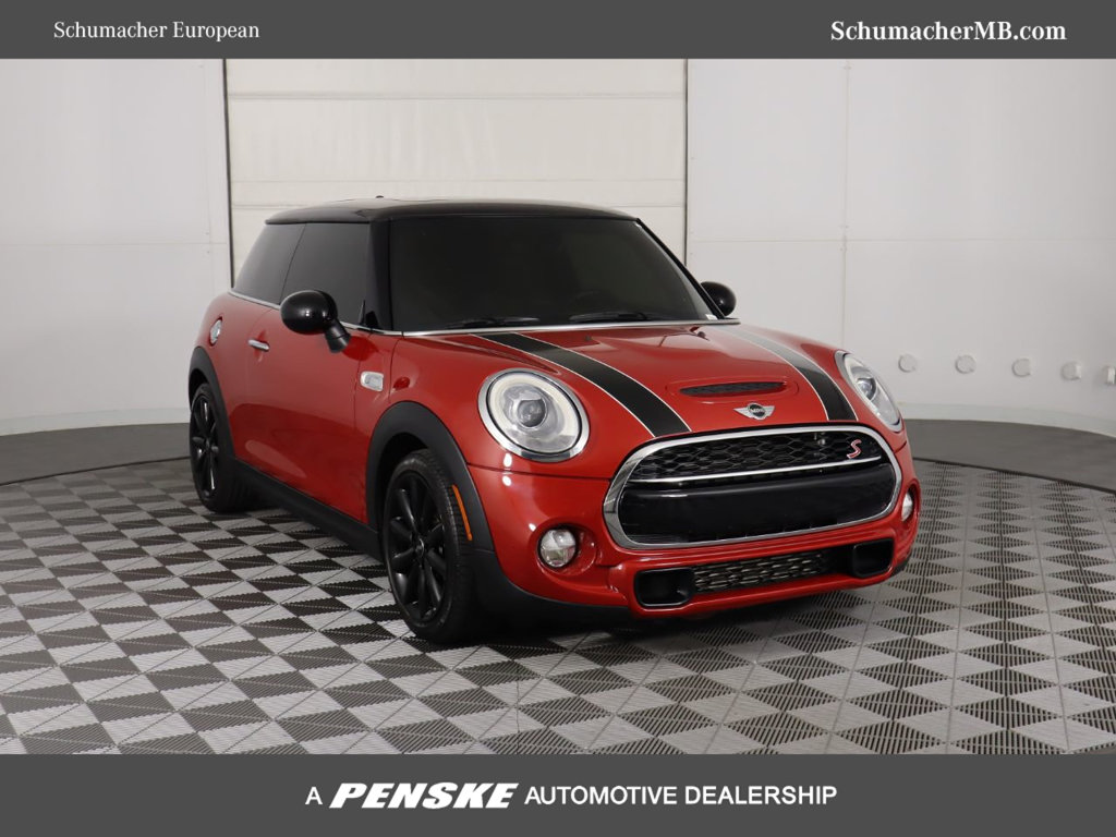 Pre-Owned 2015 MINI Cooper S Hardtop 2 Door